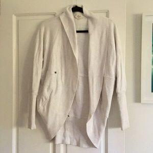 Wilfed White Sweatshirt XS